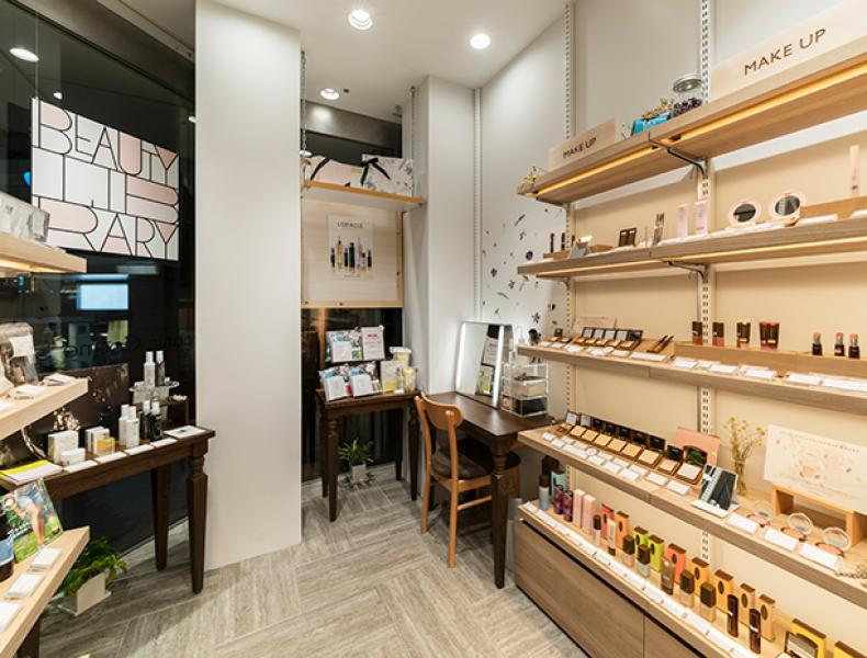 店舗デザイン実績|BEAUTY LIBRARY 新宿ミロード店 様 イメージ画像6