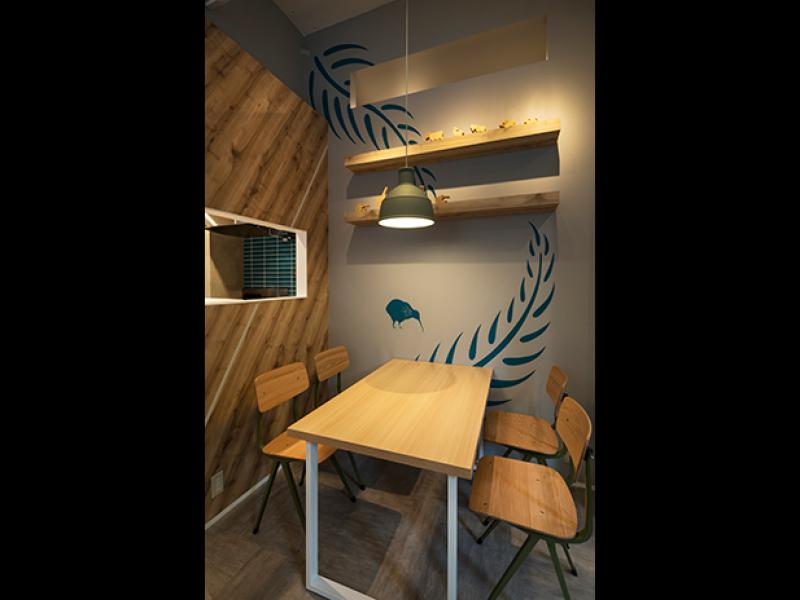 店内のテーブル席 ......イメージ画像