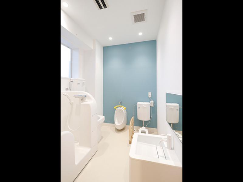 明るい清潔なトイレ ......イメージ画像